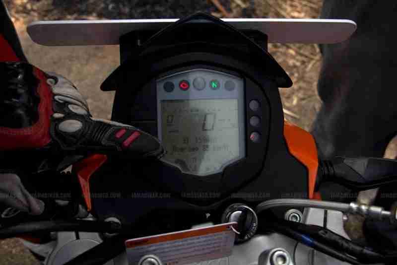 KTM Duke 200 Review - Digital Meter