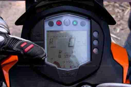 KTM Duke 200 review 35