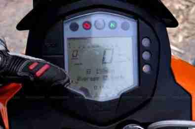 KTM Duke 200 review 36