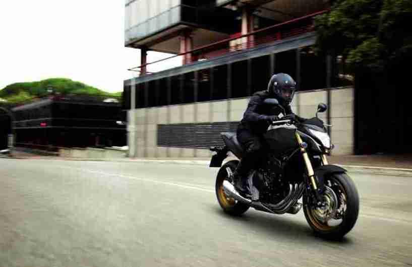 Honda Hornet six hundred 2012 01