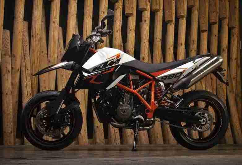 KTM 990 Supermoto R 2012 05