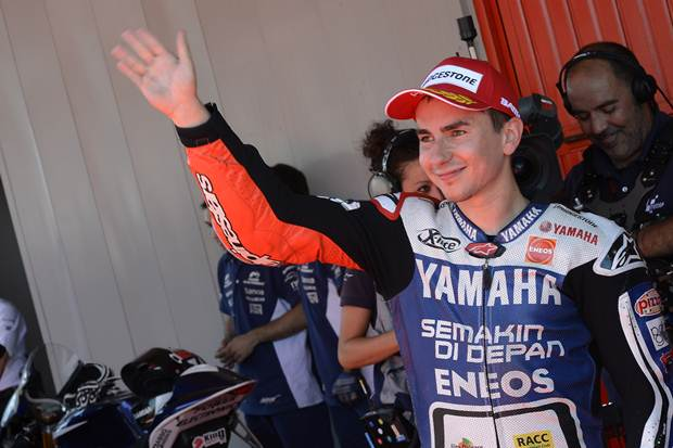 MotoGP 2012 Catalunya Lorenzo wins after intense battle with Pedrosa
