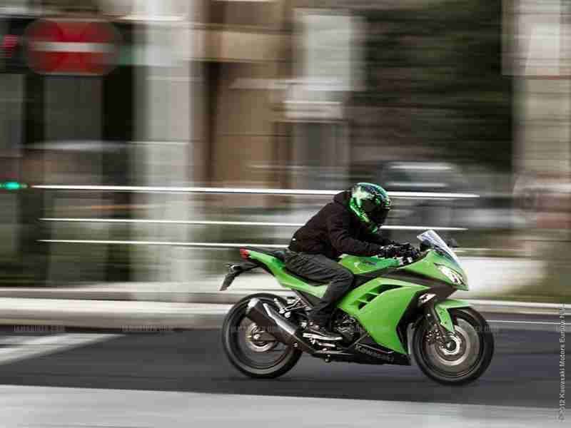 Kawasaki Ninja 300 07