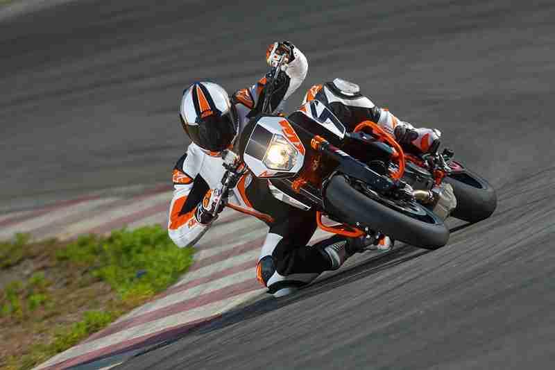 2013 KTM Duke 690 R - 09