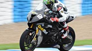 Chaz Davies tests out the S1000RR