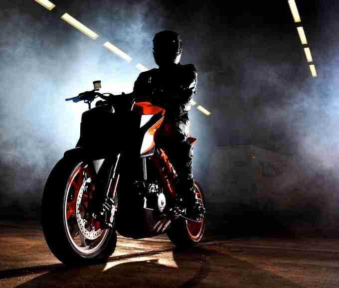 New 2013 KTM Super Duke 1290 - 01