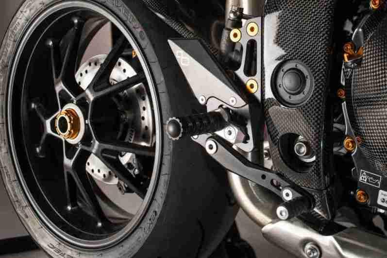 Triumph Speed Triple 1050 LighTech - 02
