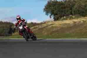 Ducati Hypermotard 2013 - 02
