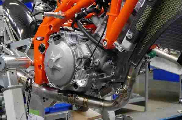 KTM RC250R Production Racer 2013 - 01