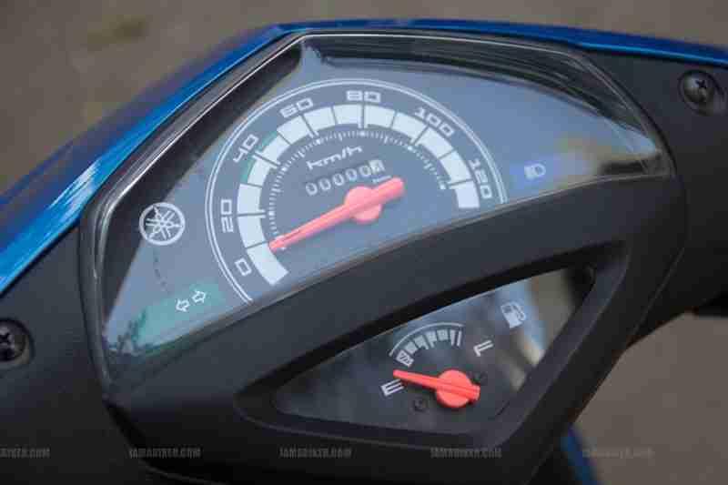 Yamaha Ray scooter India - 07