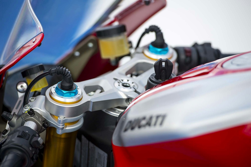 ducati 1199 panigale r photographs - 15