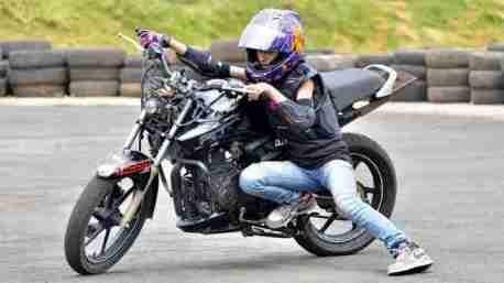 anam hasim - stunt girl india - 09
