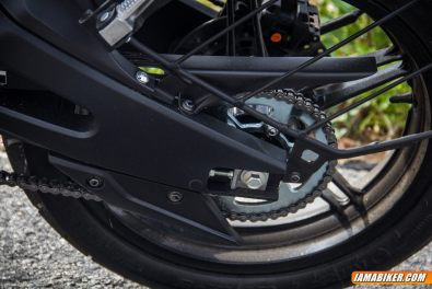 yamaha r15 v2 saree guard and swing arm