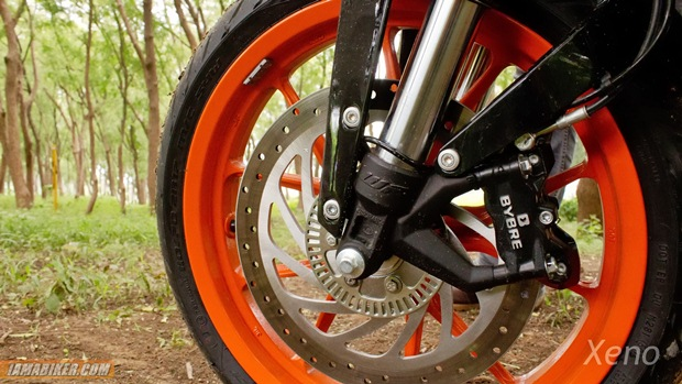 ktm duke 390 tyres - metzeler spotec tyres and ABS front ring