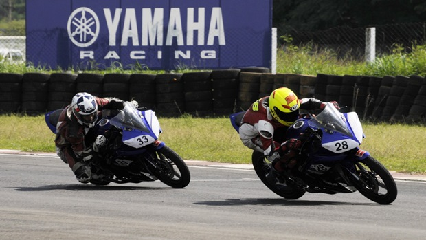 2013 Yamaha YZF-R15 One Make Race Championship round 4