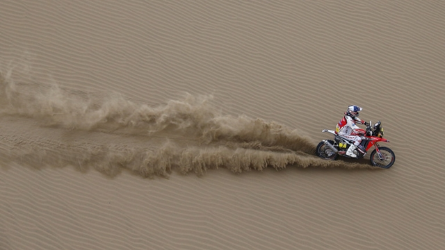 Dakar 2014 Honda Stage 10 update