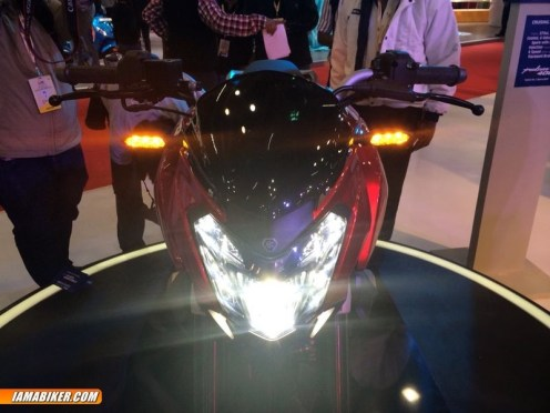 Pulsar CS 400 headlight