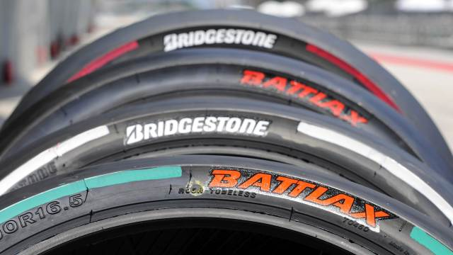 2014-Bridgestone-BATTLAX-MotoGP-rear-slicks