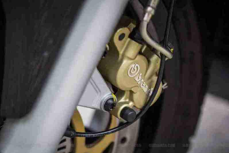 Aprilia SRV 850 Brembo callipers