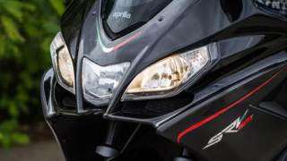 aprilia srv 850 photographs