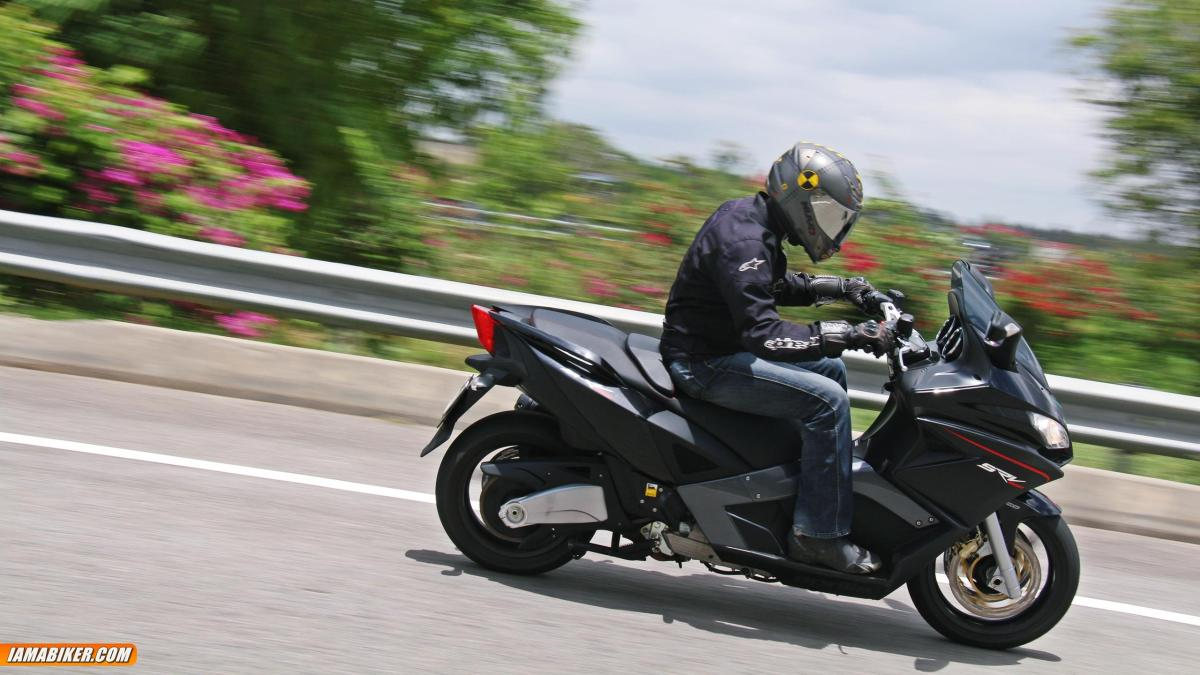 aprilia srv 850 review engine and performance