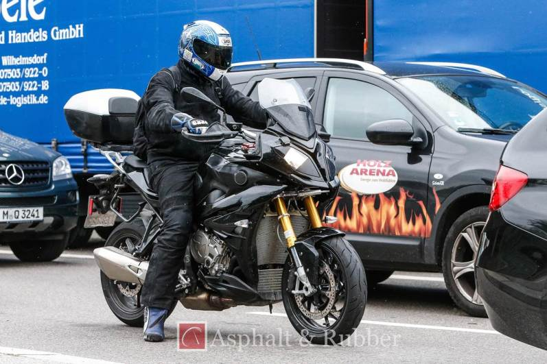 2015 BMW S1000XR in photographs - 2