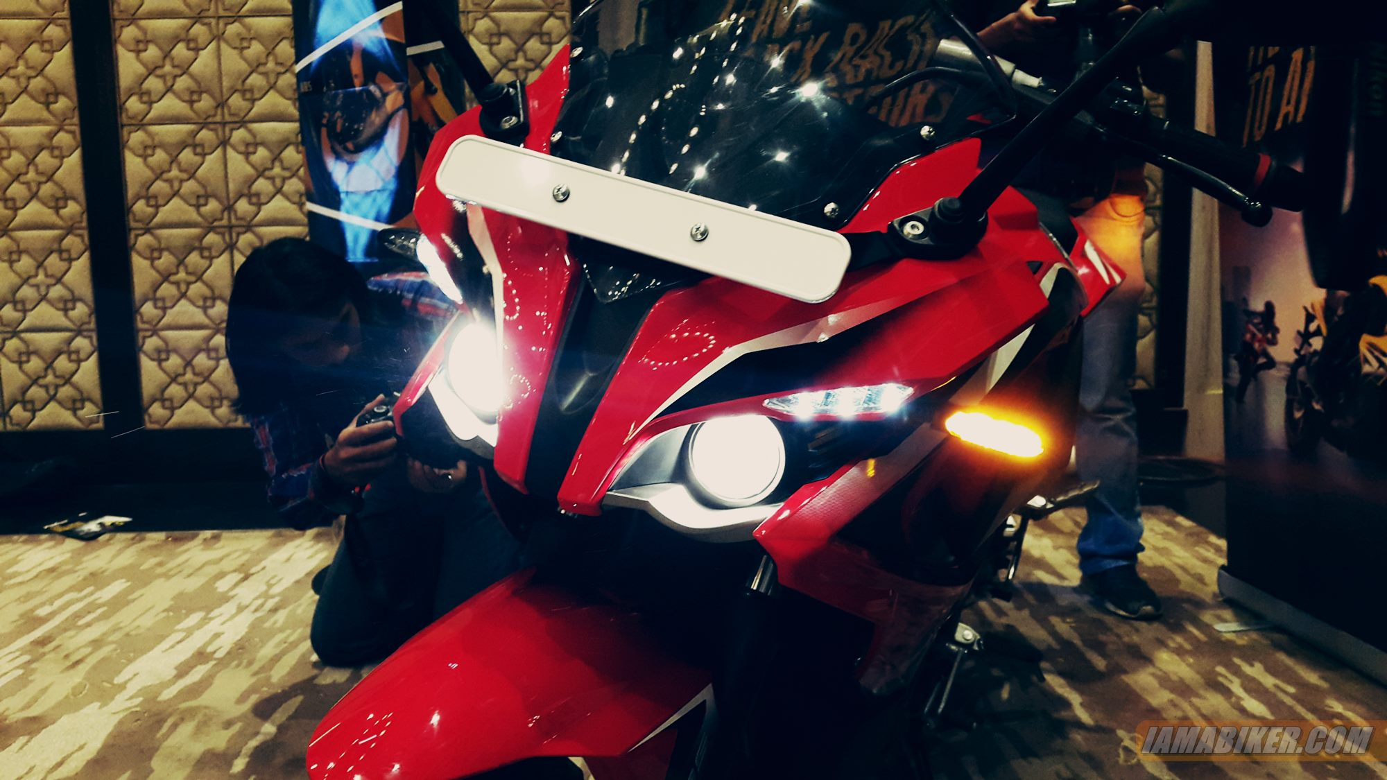Pulsar RS 200 projector headlights
