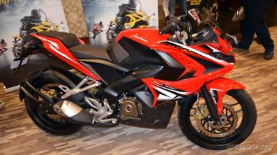 Pulsar RS 200 red colour option