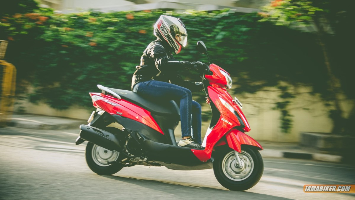 Suzuki Lets scooter review - handling and braking