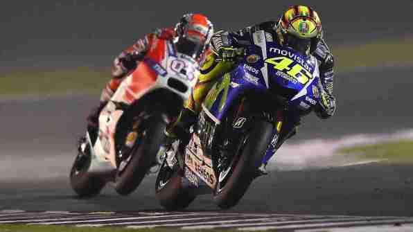 Valentino Rossi Andrea Dovizioso battle MotoGP Qatar 2015