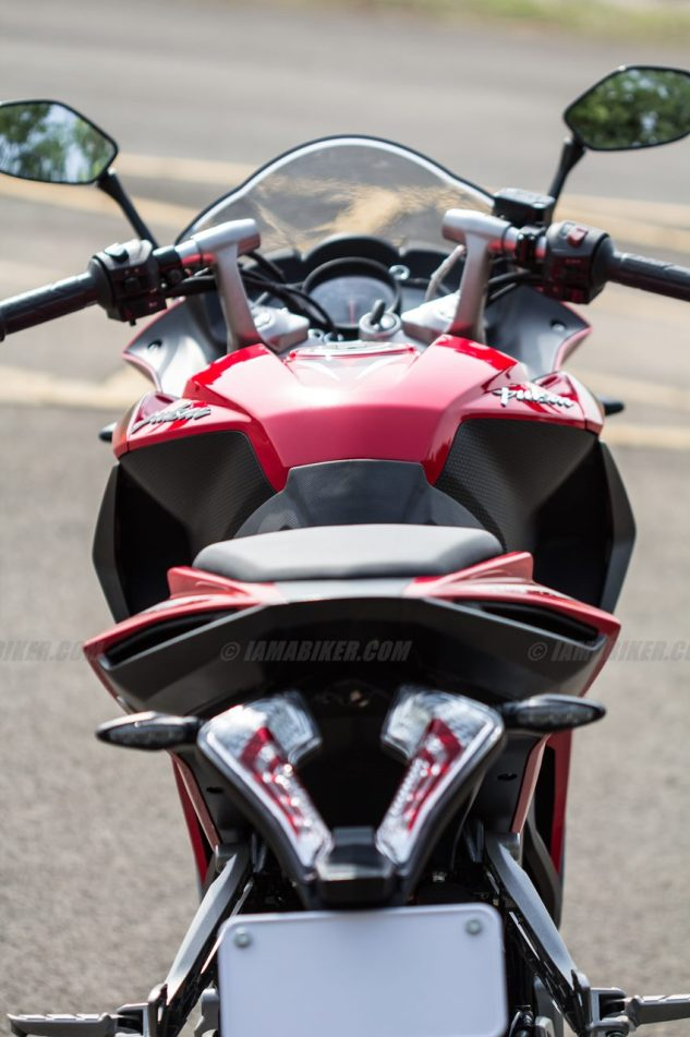 Pulsar RS 200 handle bar clipons and tank