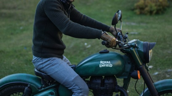Royal Enfield Classic 500 Battle Green Despatch