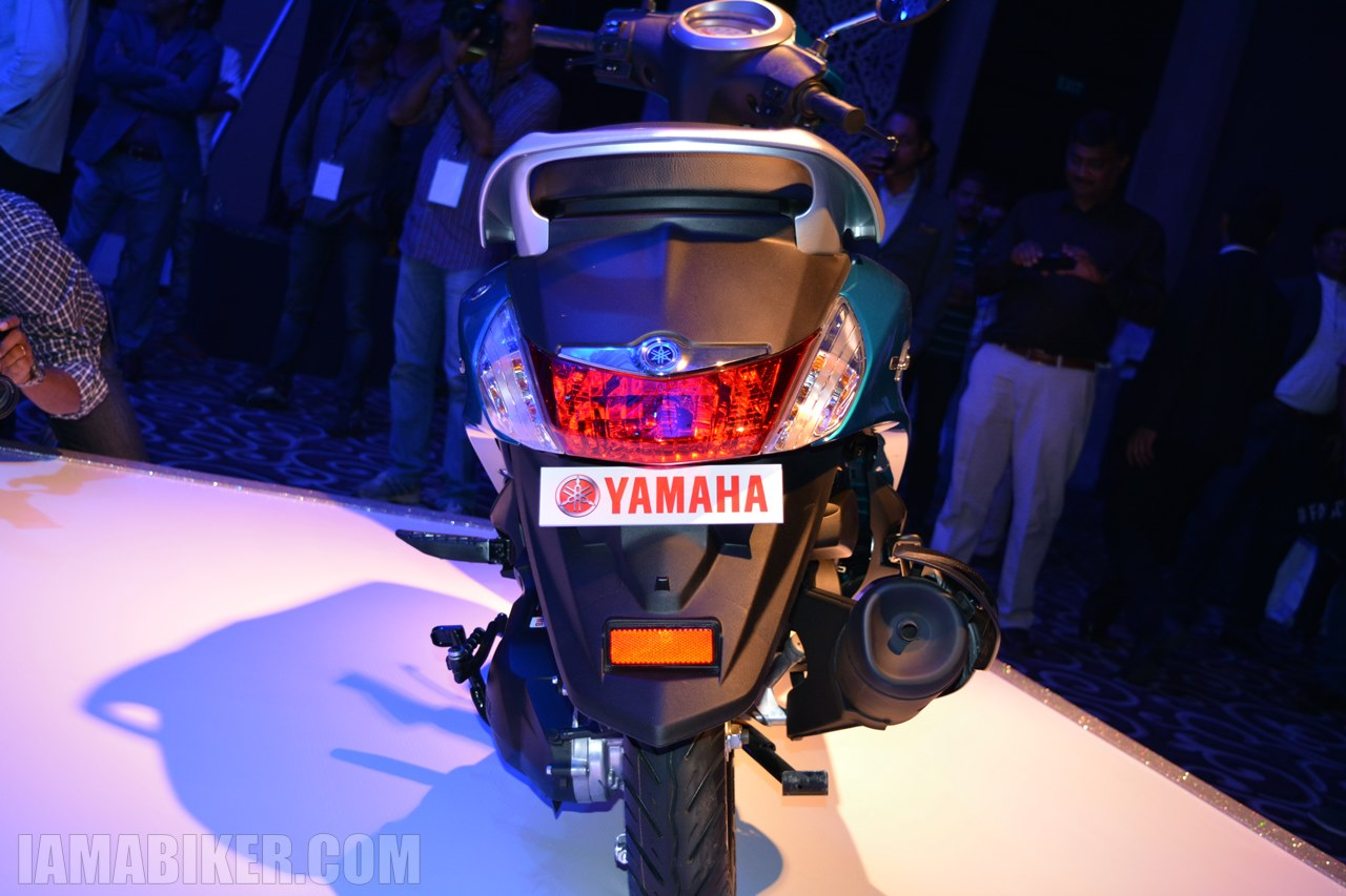 Yamaha Fascino brake light - tail section - back view