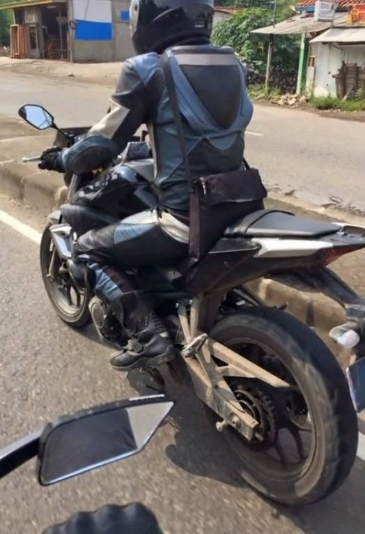 Yamaha MT-25 on-road