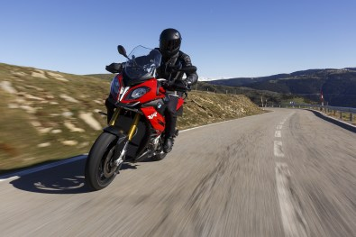 2015 BMW S1000XR front view