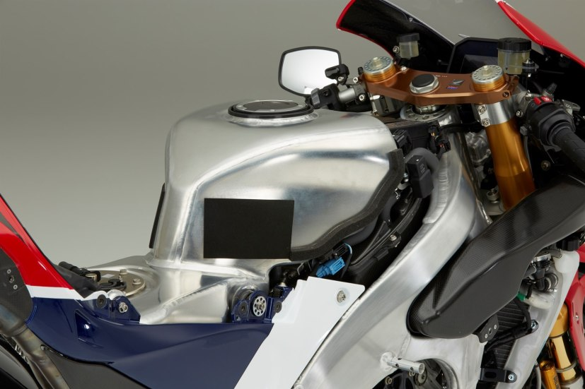Honda RC213V-S tank