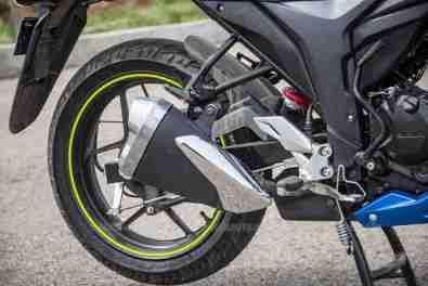 Suzuki Gixxer SF images - silencer design