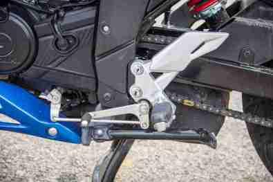 Suzuki Gixxer SF images - gear lever