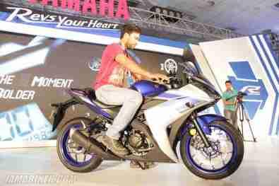 Yamaha YZF-R3 rider height 6ft