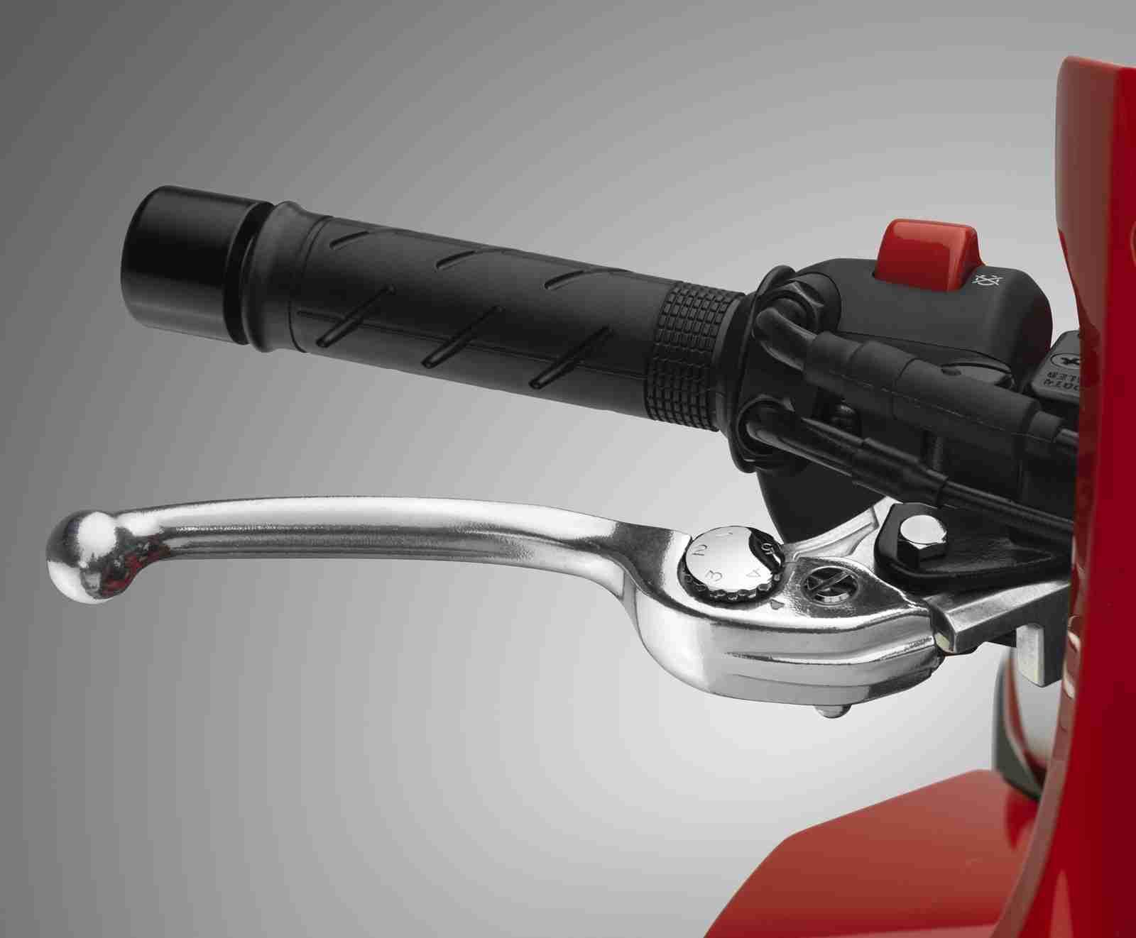 2016 Honda CBR500R adjustable lever