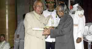 Dr. Brijmohan Lall receiving Padma Bhushan from late President Mr. APJ Abdul Kalam
