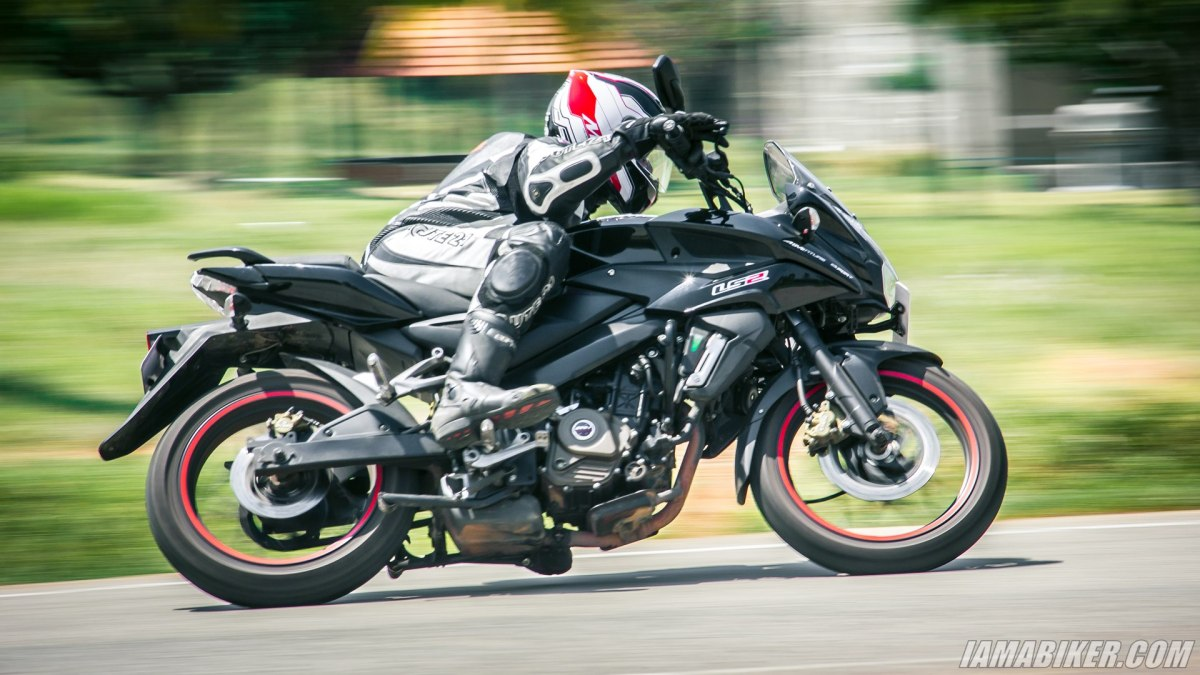 Pulsar AS 200 review handling and braking