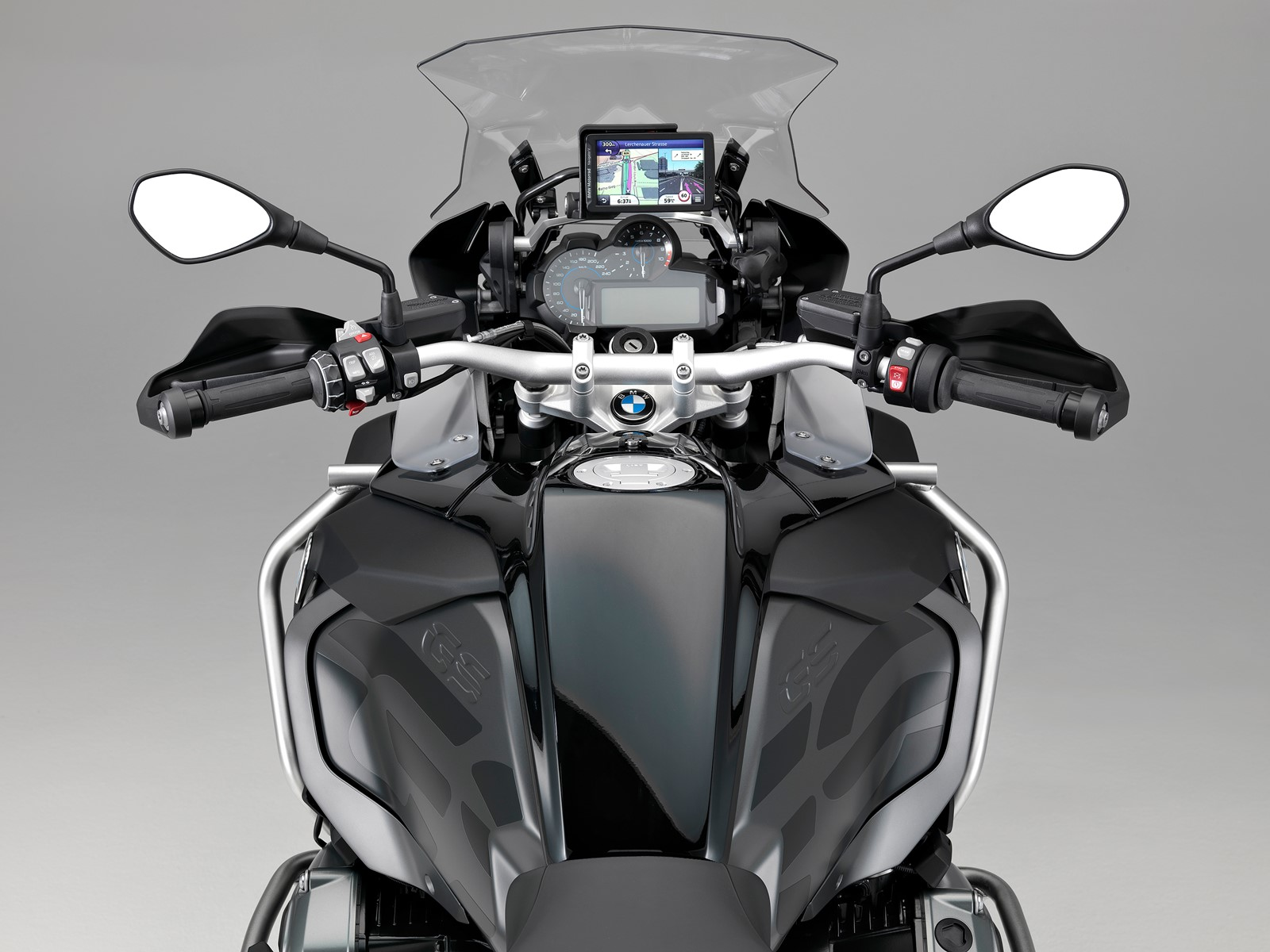 2017 BMW R1200 GS cockpit