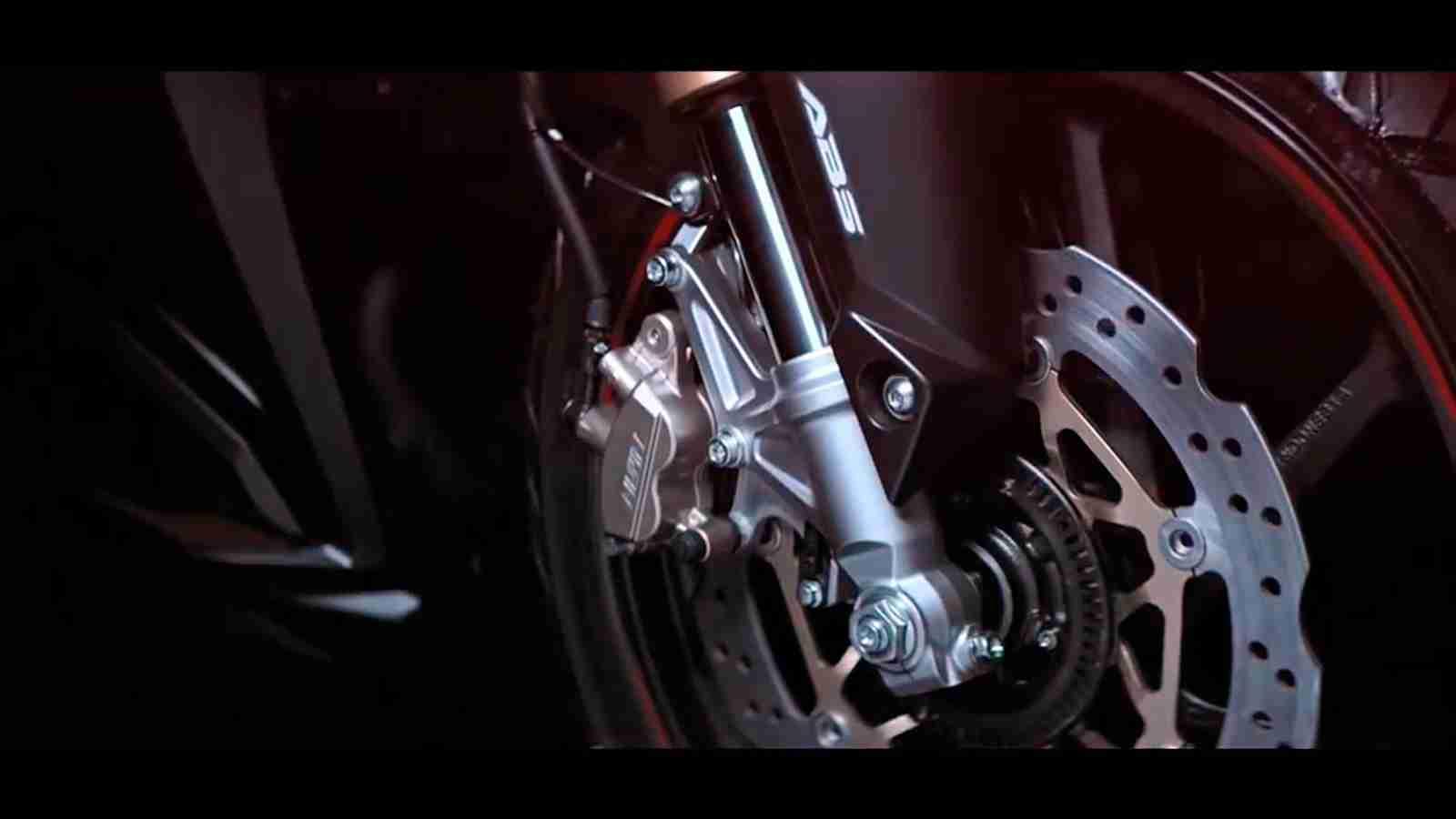 2017 Honda CBR 250RR front twin disc