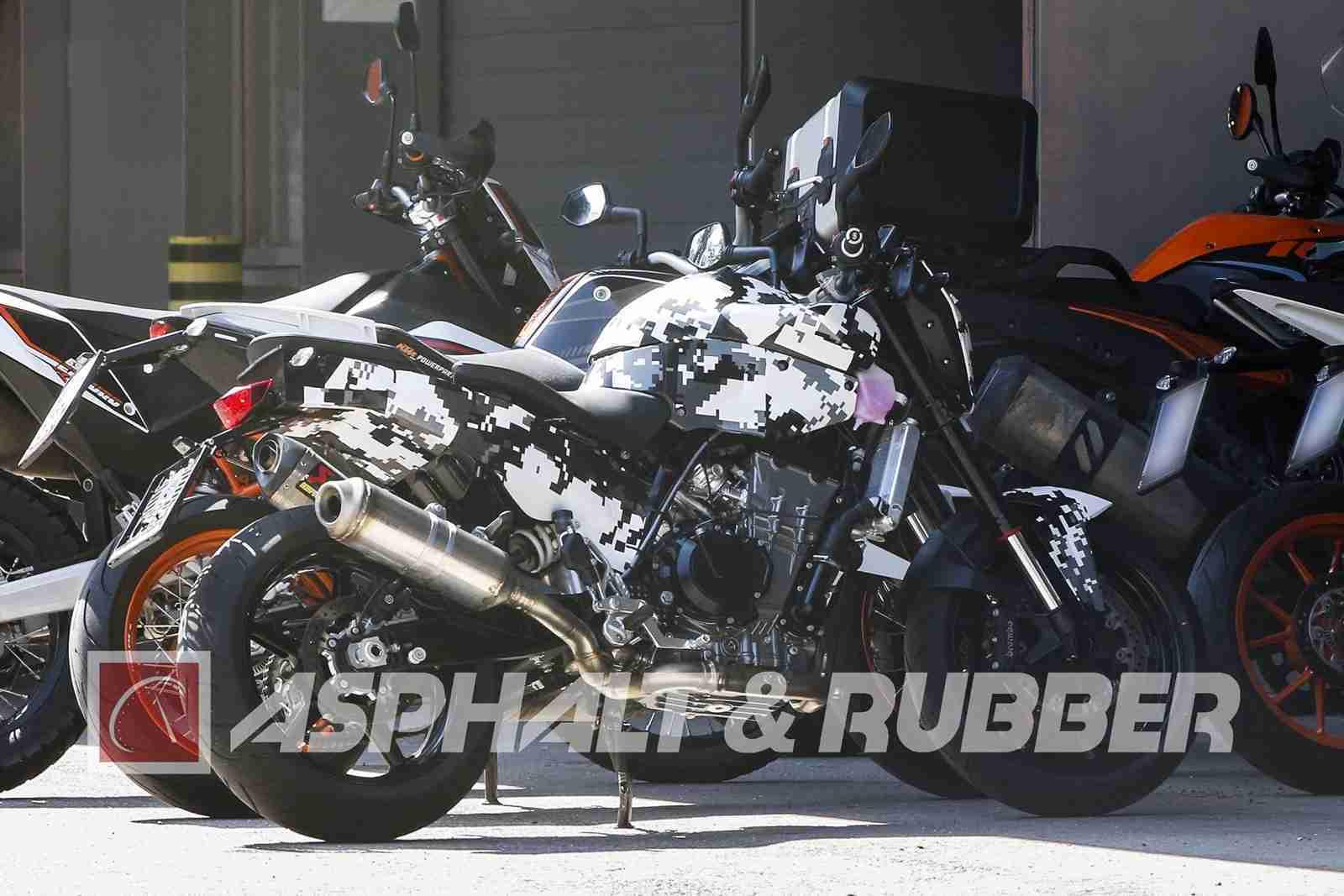 New KTM Duke 800 side view