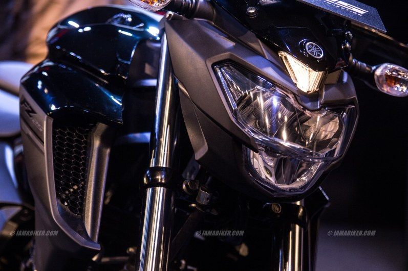 Yamaha FZ25 images