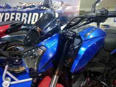 Dominar 400 colour option blue