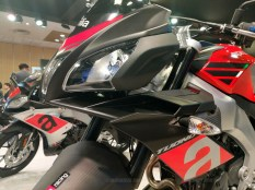 Aprilia Tuono 150 headlight