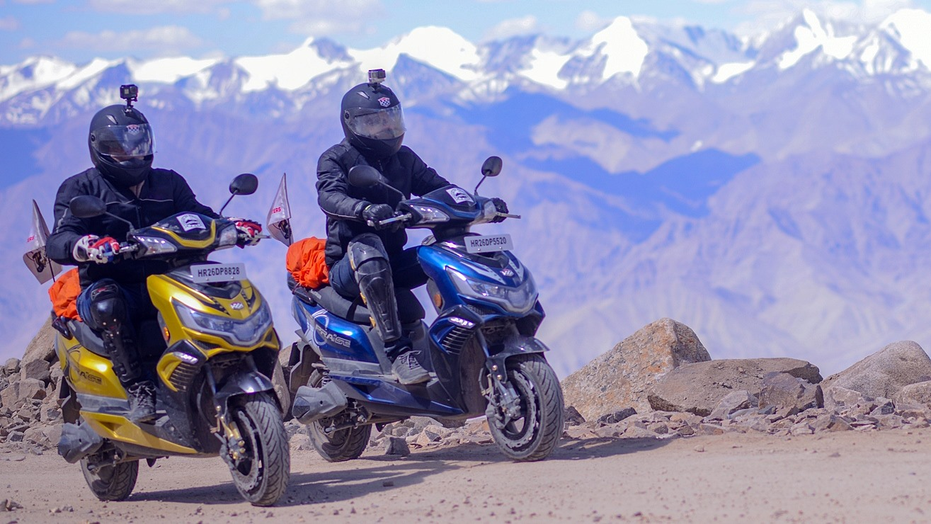 Okinawa Praise electric scooter conquers the Himalayas