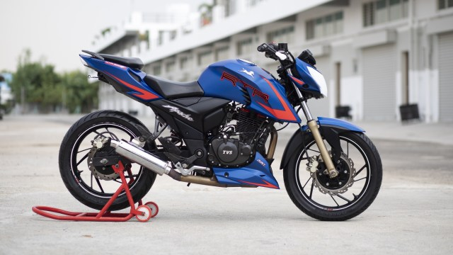 Race spec TVS Apache RTR 200 V2 with slipper clutch